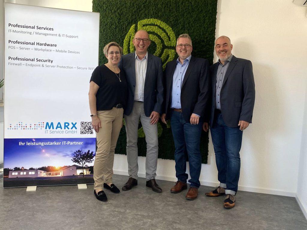 Marx IT Service GmbH Nachfolge geregelt - (von li.) Silvia und Benedikt Marx, Matthias Körner, Nikolaus Lange