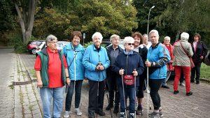 Aktionsteam für das Elternhaus Göttingen - Die Walkinggruppe vom VfL Oker war mit ihrer Montagsgruppe am Start. Für die Teilnahme verschoben sie ihre Morgenrunde auf den Nachmittag