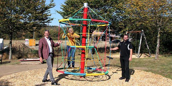 Neues Karussell für den Spielplatz Hahndorf