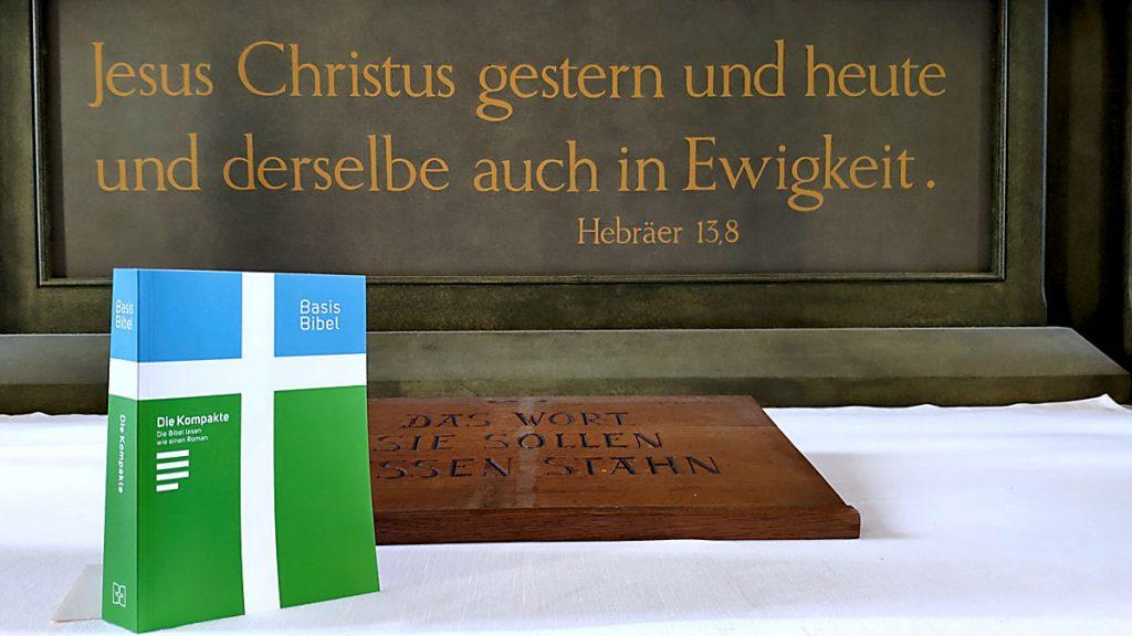 Basisbibel in St. Salvatoris