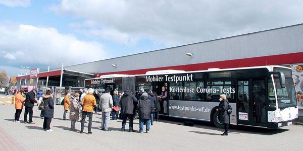 Schnelltest-Bus in Schladen