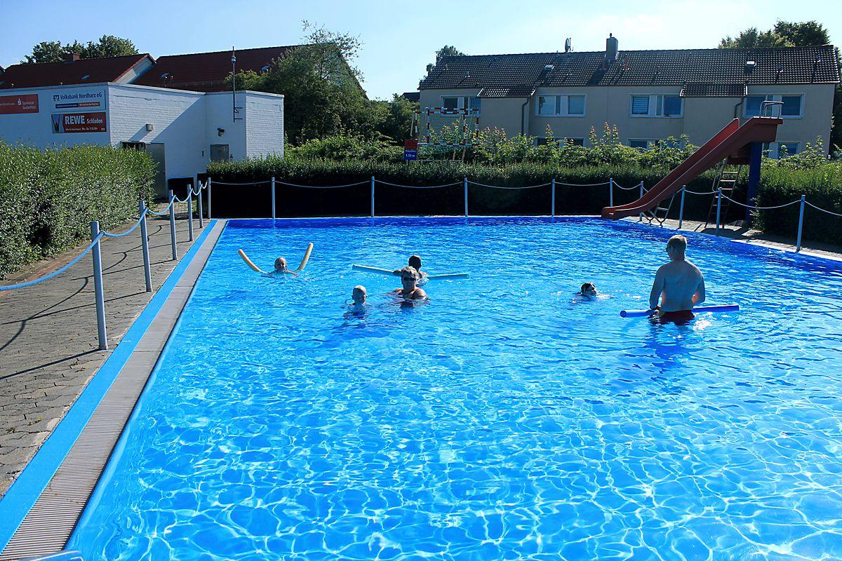 Schwimmkurs der DLRG Schladen