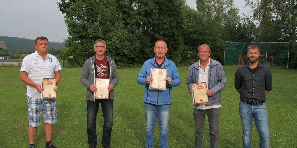 (v.l.): Gianni Prencipe (40 Jahre), Hans-Hermann Niemeyer, Hans-Georg David, Jürgen Voges (alle 50 Jahre) und Jan Strathoff (1. Vorsitzender).